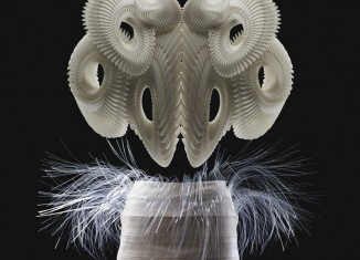 © Iris van Herpen - Photo : Bart Oomes, No 6 Studios
