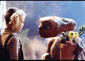 E.T © Universal Studios