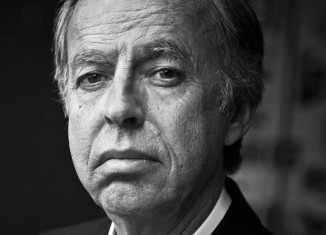Journaliste, écrivain, Bernard Maris (qui signe Oncle Bernard dans Charlie Hebdo) est également économiste et membre du conseil général de la Banque de France.