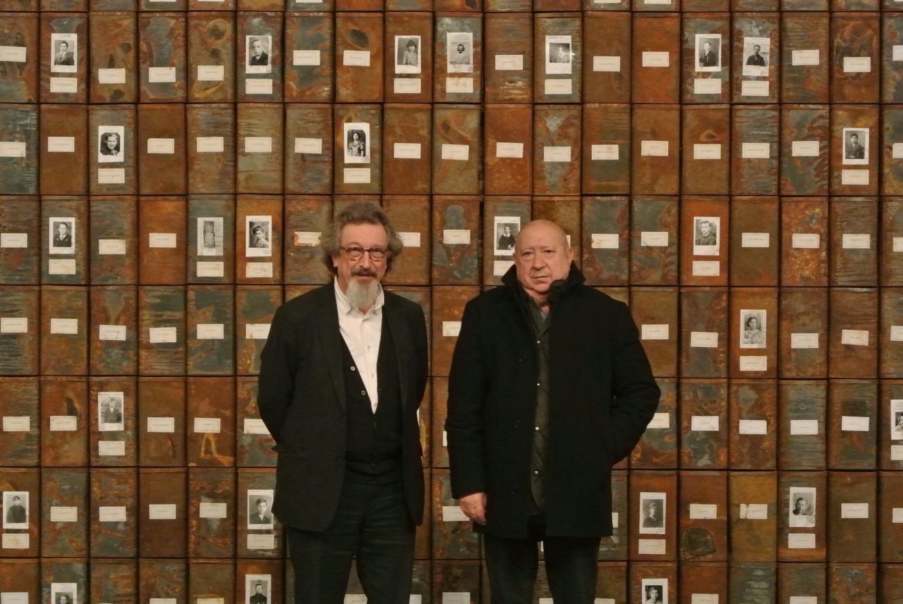 Christian Boltanski (à droite) et Laurent Busine (directeur du MAC's)