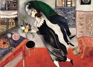 Marc Chagall, L'anniversaire, 1915, huile sur carton. New York, Museum of Modern Art. Acquis grâce au legs Lillie P. Bliss, 1949, inv. 275.1949 © The Museum of Modern Art, New York. ® SABAM, Belgium 2015 / photo: Scala, Firenze