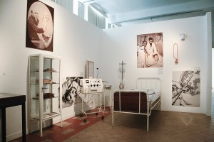 View of the exhibition room with some experimental therapies : electroshock therapy, insulin shock therapy and lobotomy