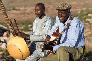 Boubacar Traore (right) Ballake Sissoko(left)