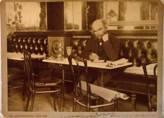 Paul Marsan dit Dornac, Paul Verlaine au café François 1er à Paris, 1892 © Bibliothèque littéraire Jacques Doucet