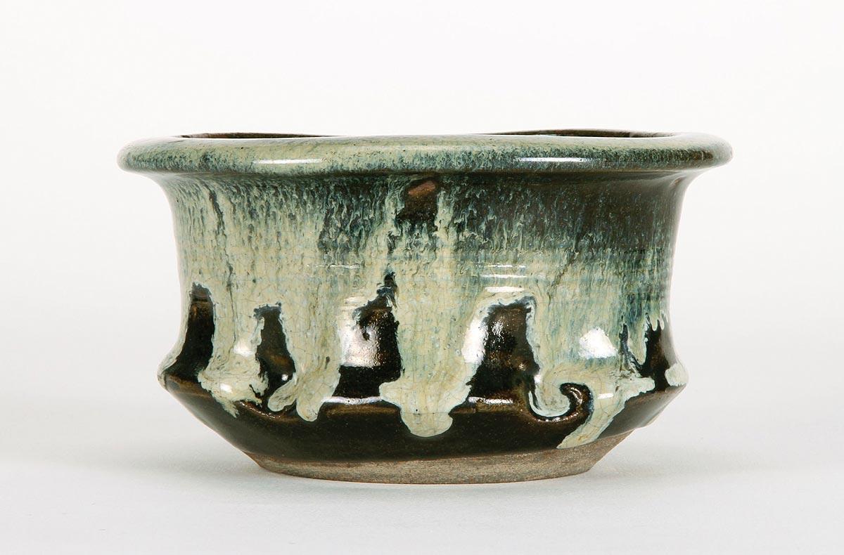 Vase à rincer les coupes – grès porcelaineux à couverte brune et décor de glaçure à la cendre – H. 9 cm – Japon – début 19e s. - Ancienne collection Gisbert...
