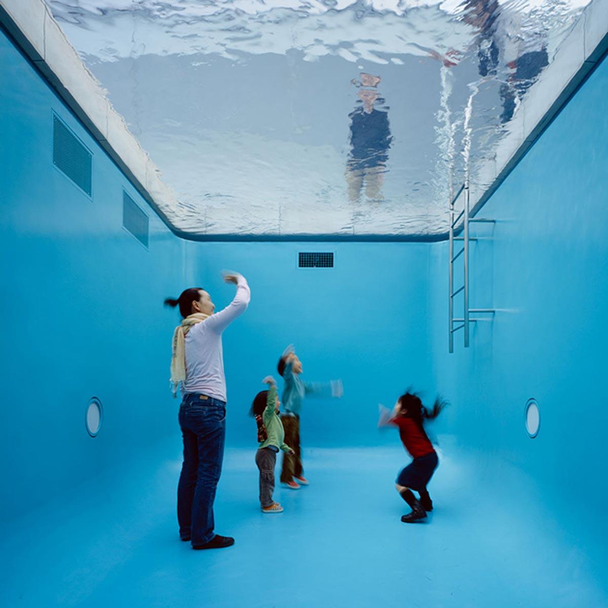 The Swimming Pool, 2004, Photo- Atsushi Nakamichi, Nacása & Partners, © Leandro Erlich Studio