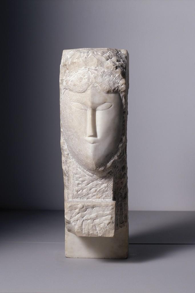 Marbre, 50,8 x 15,5 x 23,5 cm. Dépôt du Centre Pompidou, Musée national d'art moderne, Paris, au LaM, Villeneuve d'Ascq. Photo : Philip Bernard