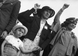 Fête du Front populaire. Stade Buffalo. Montrouge (Hauts-de-Seine), 14 juin 1936. Photographie de Gaston Paris. © Gaston Paris / Roger-Viollet