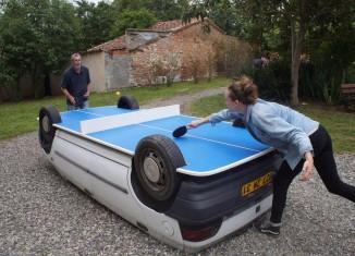 La voiture table de ping-pong / Maison Salvan à Labège / Benedetto Bufalino