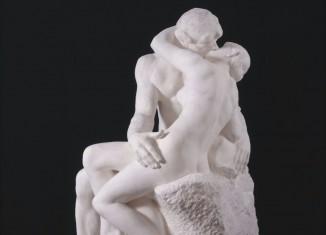 Auguste Rodin, Le Baiser, grand modèle, 1888-1898. Plâtre, 184 x 112 x 110 cm © Musée Rodin, Paris photo : Adam Rzepka