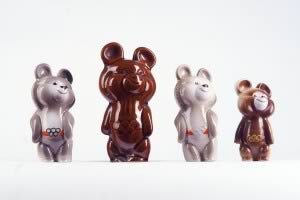 Olympic bear, 1980 (c) Dulevskiy Porcelain Factory
