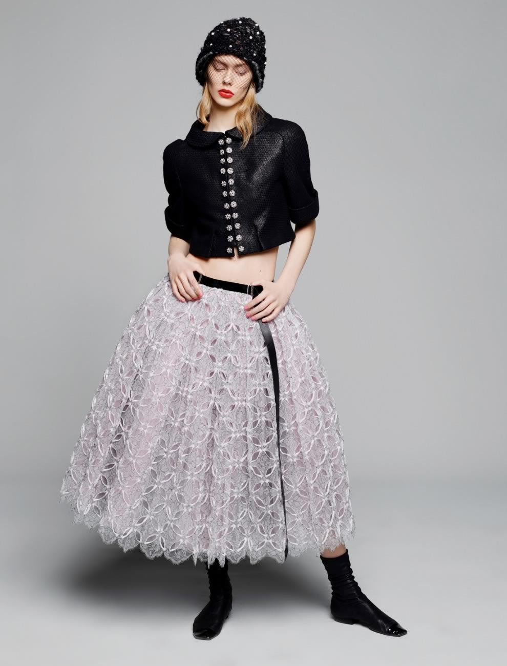 Ensemble avec jupe en dentelle mécanique perforée à la main Karl Lagerfeld pour CHANEL, Collection Haute-Couture Printemps-Été 2015 © Karl Lagerfeld