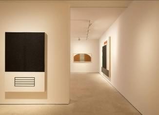 Modern - Postmodern by RobertMangold & PeterHalley @MaruaniMercier
