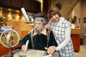 Nostradamus et Lucette Monje. Poupée de cire, poupée de son.