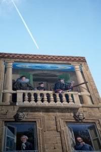 Catherine de Médicis et Nostradamus font le mur, à Salon-de-Provence.