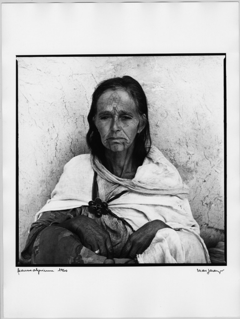 Marc Garanger, Femme algérienne, 1960 © Marc Garanger, musée Nicéphore Niépce, Ville de Chalon-sur-Saône