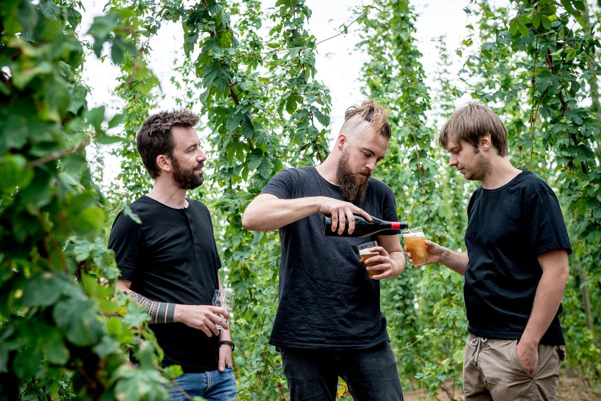 Kevin Rolland, Florent Ladeyn et Clément Dubrulle © Caspar Miskin