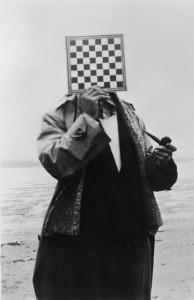 Le Géant, 1937, Paul Nougé à la Côte belge © 2019-2020, Charly Herscovici c/o SABAM