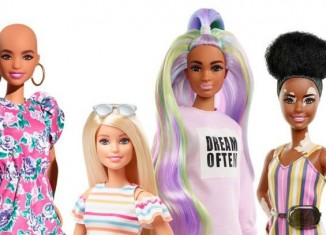 (c) Barbie