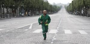 Eric Judor dans Seuls Two (2008) - Warner Bros. France.