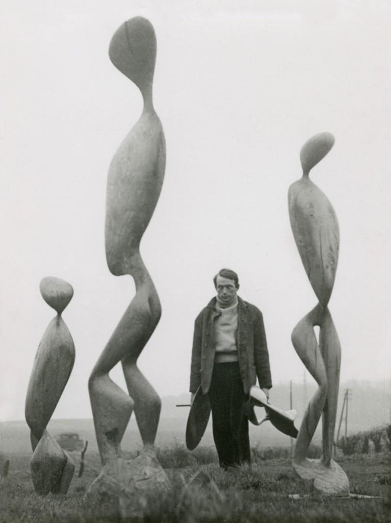 Roger Catherineau (1925-1962) Dodeigne dans le jardin de la maison des Bois blancs, v. 1954 Archives Dodeigne