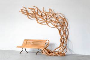 Spaghetti Bâle, carved wood and steel, L. 320 x H. 253 x depth 168 cm, 2008 © Pablo Reinoso