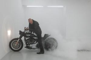 Performance sculpture burnout ©Johan Muyle crédit photo Pascal Schyns