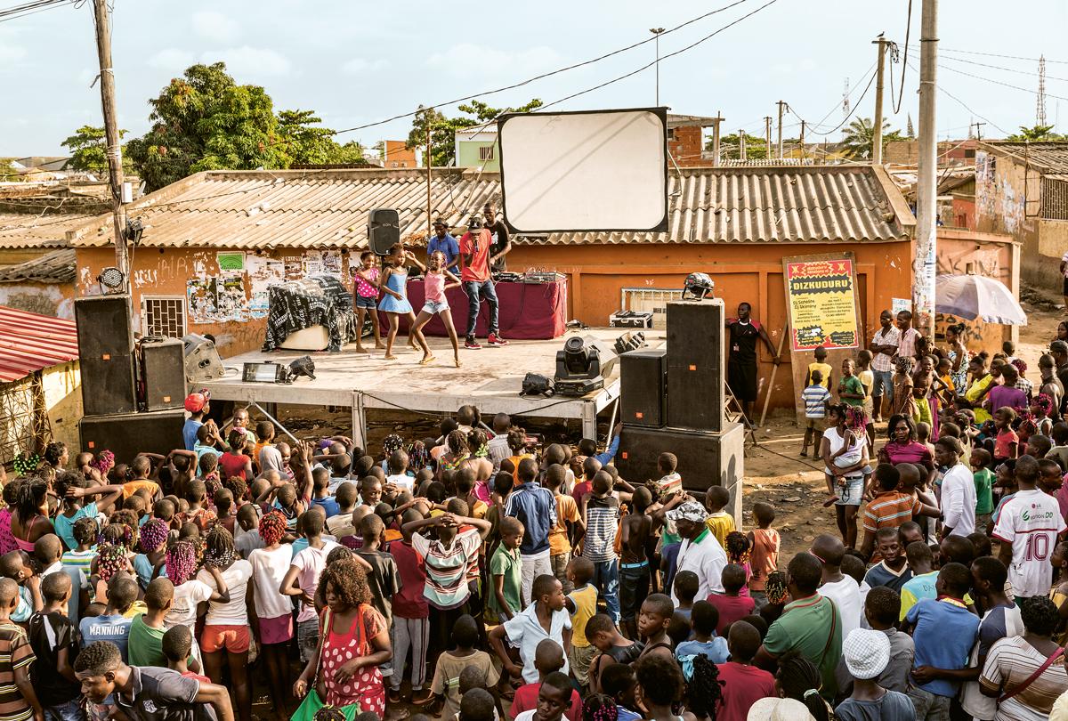 Local Kuduro event in the neighbourhood of Sambizanga, Luanda, 2015 © Anita Baumann