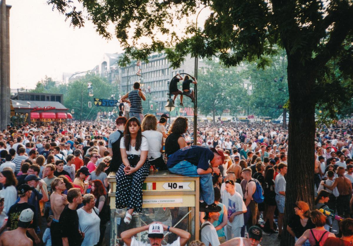 Love Parade, Kurfürstendamm, Berlin, 1994 © Tilman Brembs